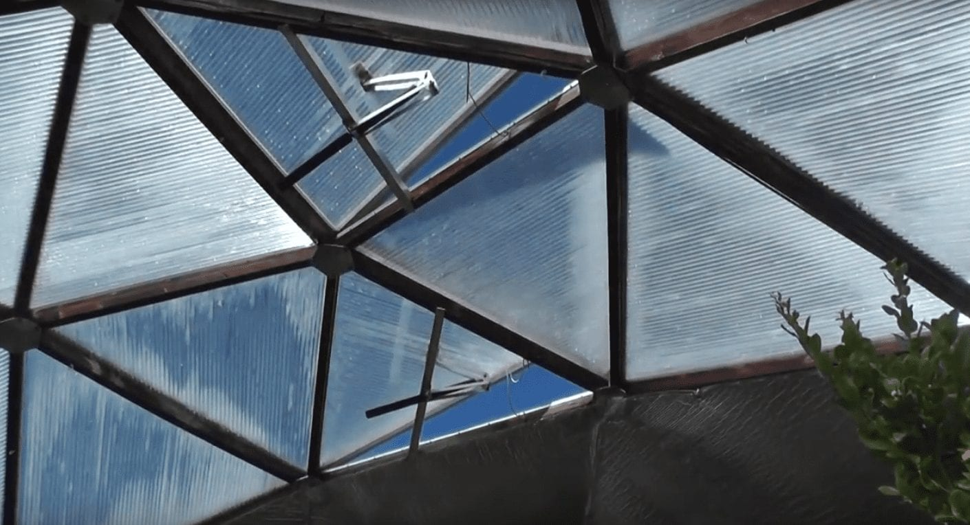 Vents open when it gets warm and close to insulate the greenhouse when it is cold