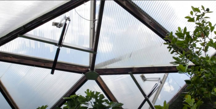 winterizing your greenhouse - adjusting ventilation
